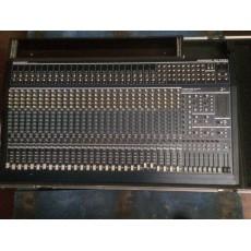BEHRINGER - Console analogique MX3282 A  - Livrée avec Bloc Alimentation et flight Eurodesk (Occasion)