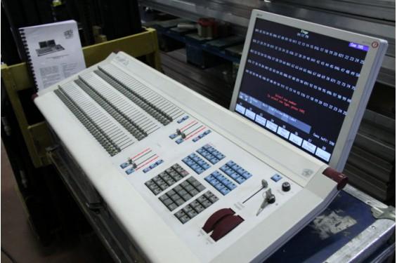 ETC - Lighting control console Insight 2X - flight case
