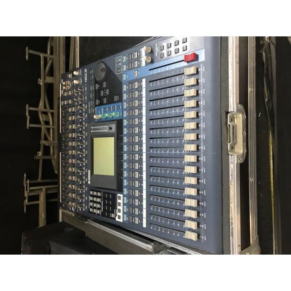 Yamaha Table De Mixage Num 233 Rique 01v96 Occasion Jsfrance